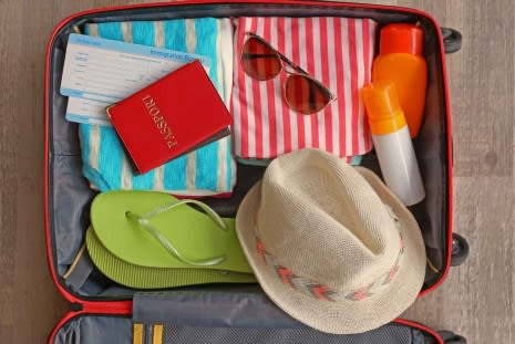 9 Holiday Health Essentials for Staying Safe in the Sun