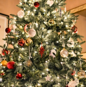 Christmas Tree Decorating Ideas - Inspired by Pinterest