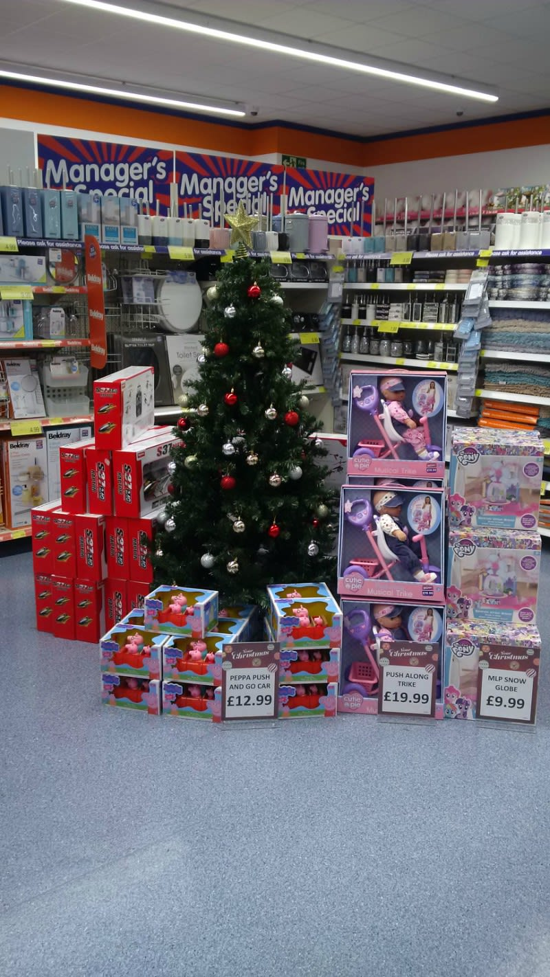 Bu0026M Offer A Wide Range Of Seasonal Products For A Christmas To Remember.