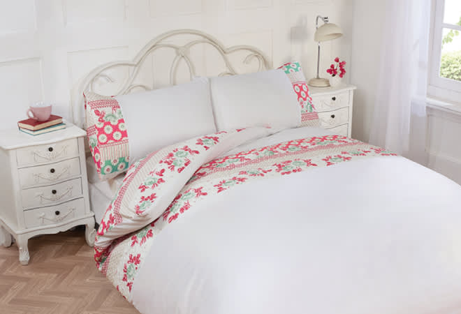 http://www.bmstores.co.uk/images/dmImage/StandardImage/Freya%2Dbed%2Dset%2Dallergy%2Dproof%2Dyour%2Dbedroom1.jpg