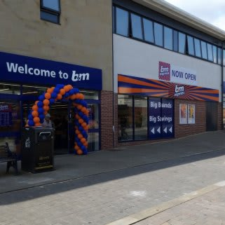 B&M's newest store opened its doors on Thursday (8th August 2019) in Rothwell. The B&M Store is located in the centre of town on Commercial Street.