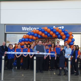 The new B&M Ashford Home Store and Garden Centre being formally opened by the Mayor, Geraldine Dyer & escort Brian Dyer.