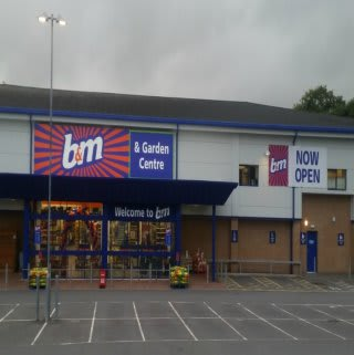 The new B&M Cardigan store front.