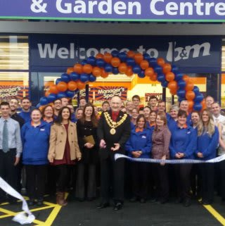 The ribbon cutting on opening day at B&M Bodmin, as the store is officially opened.