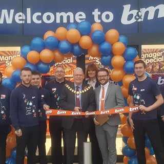 Store staff at B&M's new store in Preston were delighted to welcome local mayor, who cut the ribbon to officially open the store.