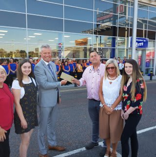 Representatives from local charity the Lisa Orsi Foundation gratefully received £250 worth of B&M vouchers as a thank you for taking part in our Crescent Link, Londonderry store opening.