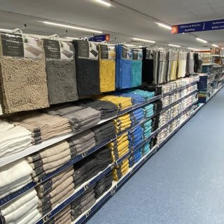 B&M's brand new store in Hednesford stocks a huge selection of bathroom textiles, from bath mats and pedestal mats, bath towels, bath sheets and matching hand towels.
