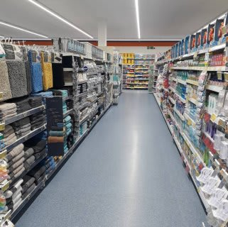 B&M's brand new store in Ilford stocks an extensive range of home bathroom essentials, from towels and bath mats to toilet brushes, shower curtains and accessories.