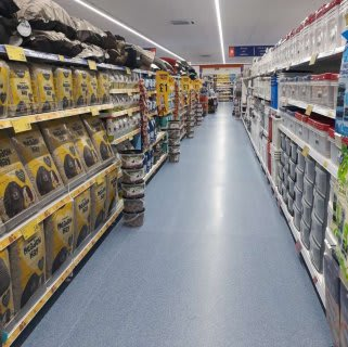 B&M's brand new store in Ilford stocks an amazing and ever-changing pet range, from dog and cat food to toys and pet bedding.