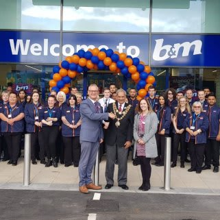 Store staff at B&M's new store in Sheldon were delighted to welcome Lord Mayor Mohammed Azim and Charlotte Dowling from Birmingham St Mary's Hospice. The hospice received a donation of £250 worth of B&M vouchers for taking part in B&M's special day, while Lord Mayor Azim cut the ribbon to officially open the store.