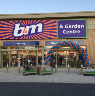 B&M's newest store opened on Tryst Road in Stenhousemuir, just a short distance from its previous location on Hallam Road.