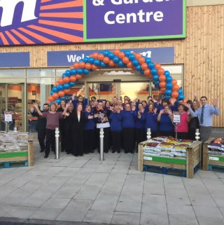 B&M's Stenhousemuir store team are excited to welcome their first customers on opening day.