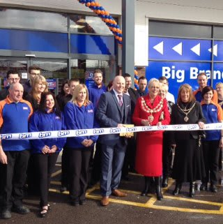 The Weston Super Mare Store was opened by the mayor Mrs Rosslyn Willis and representatives of our chosen charity Crossroads Care.