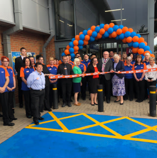 B&M's newest store opened on Wednesday morning (12th September 2018) in Whitchurch, with the help of special guests Diane Tew - a volunteer with brain-injury charity Headway - and the local mayor.