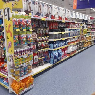 B&M's brand new store in Warrington stocks an amazing and ever-changing pet range, from dog and cat food to toys and pet bedding.
