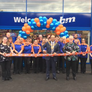 Local Mayor, Councillor Shadab Qumer was B&M's special guest at the Chadderton store opening, as was Layla and Cotton, representatives from local charity Pennine Pen. The charity gratefully received £250 worth of B&M vouchers.