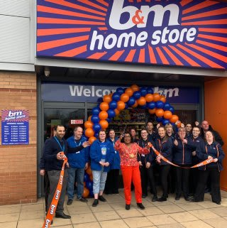 Store staff at B&M's new store in Hunslet, Leeds were delighted to welcome Lord Mayor Cllr Eileen Taylor and local charity Charlie's Angels. The charity received £250 worth of B&M vouchers for taking part in B&M's special day, while Lord Mayor Taylor cut the ribbon to officially open the store.