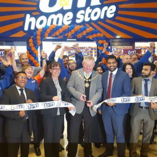 The new Barking B&M Homestore being opened by the Mayor, Councillor Simon Bremner and the Osborne Partnership Charity