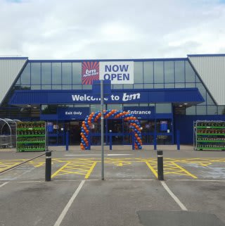 B&M's brand new store in Burnage,located at the site of the former B&Q on Kingsway.