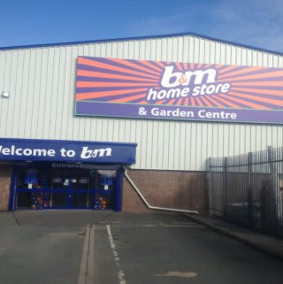 The exterior of the B&M Pembroke Dock Homestore on opening day.
