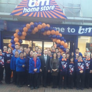 The new store team at B&M Ipswich - Eastgate Shopping Centre getting prepared for Black Friday opening day.