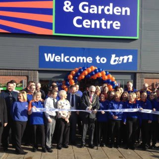 Mayor, Councillor Rob Cook & representatives form Hartlepool Families First opening the new B&M Teesbay