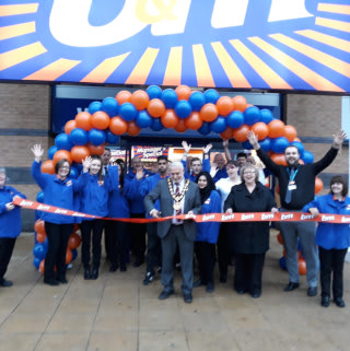 Mayor Mohammed Zaman and local charity Springhill Hospice were on hand to cut the ribbon at B&M's latest store opening in Rochdale.