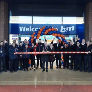 B&M's newest store in York opened at Clifton Moor Retail Park on Thursday (7th February 2019), with local Councillor Keith Orrel and the Mayoress Judith Orrel cutting the ribbon.