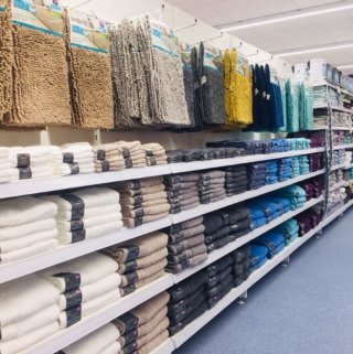 B&M's brand new store in Lurgan stocks a wide range of beautifully soft bathroom textiles and linen, from towels and bath sheets to bath mats!