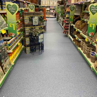 B&M's brand new store in Crawley boasts an extensive garden range for all you green-fingered types! Browse garden tools, solar lighting, decorative ornaments and much more!
