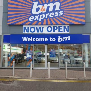 B&M's newest store opened its doors on Thursday (14th March 2019) in Bolton. The store is located near to the town centre at Burnden Retail Park.