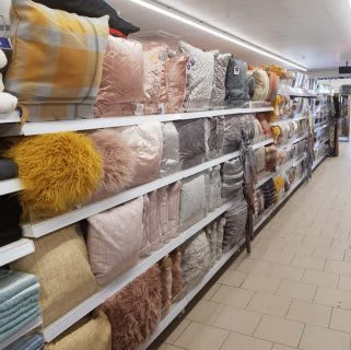 B&M's brand new store in Bolton boasts a stunning selection of soft furnishings, from cushions and cushion covers to blankets and throws.