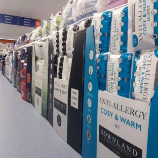 B&M's brand new store in Lichfield stocks a large range of bedding in a variety of styles and colours. Buy duvet covers and bedding sets, or duvets and pillows from big brands like Silentnight.