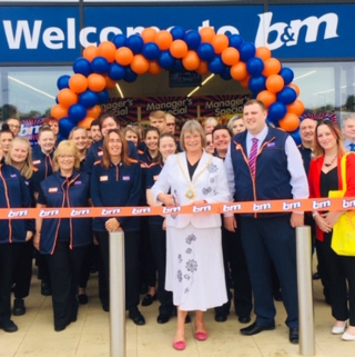 Store staff at B&M's new store in Lichfield were delighted to welcome local mayor, Councillor Deborah Baker and local charity South Staffordshire Mental Health Network. The charity received £250 worth of B&M vouchers for taking part in B&M's special day, while Mayor Baker cut the ribbon to officially open the store.