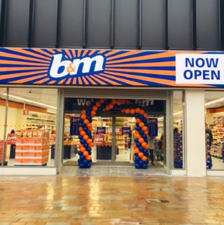 B&M's newest store opened its doors on Wednesday (16th October 2019) in Wolverhampton. The B&M Store is located in the city centre at the Mander Centre.
