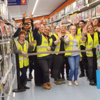 To celebrate the opening of their new store in Wolverhampton, staff organised for one lucky shopper to enjoy a trolley dash around the B&M Mander Centre store!