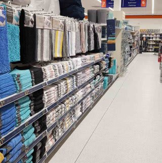 B&M's brand new store in Cowdenbeath stocks a huge selection of bathroom textiles, from bath mats and pedestal mats, bath towels, bath sheets and matching hand towels.