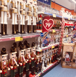 B&M's brand new store in Portsmouth stocks a beautiful Christmas range, everything from decorations, lights and Christmas trees, to gift bags wrapping paper, selection boxes and much more!