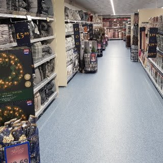 B&M's brand new store in Brecon stocks a charming range of bedding, including duvet covers, complete bed sets, pillow cases, mattress protectors and much more!
