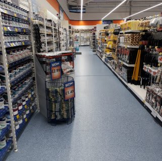 B&M's brand new store in Llanishen stocks a huge paint range from the biggest brands like Dulux and Johnstone's.