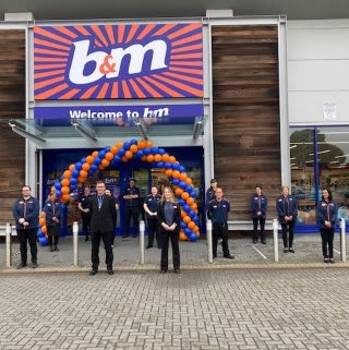 The store team is ready and the ribbon's been cut! B&M is open for business in Havant! You'll find B&M's newest store located in the town centre at Central Retail Park.