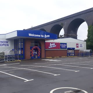 B&M's newest store opened its doors on Saturday (27th June 2020) in Kidderminster. The B&M Home Store & Garden Centre is located out of town at Kidderminster Industrial Estate, Spennells Valley Road.