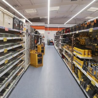 B&M's brand new store in Kidderminster (Spennells) stocks a huge DIY range for all your home improvement needs.