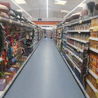 B&M's brand new store in Kidderminster (Spennells) stocks an amazing and ever-changing pet range, from dog and cat food to toys and pet bedding.