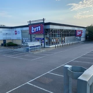 B&M's newest store opened its doors on Monday (10th August 2020) in Tunbridge Wells. The B&M Store is located to the north east of the town centre at North Trading Estate.
