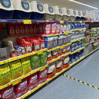B&M's brand new store in Tunbridge Wells stocks an amazing and ever-changing pet range, from dog and cat food to toys and pet bedding.