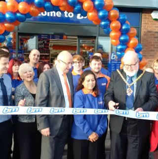 B&M's new store in Broomhall was formally opened by Councillor Paul Denham and representatives from St. Richard's Hospice.