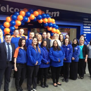 The new store colleagues at B&M Orient Way ready to start on their first day.