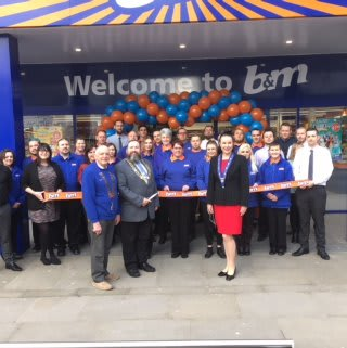 Local Mayor, Councillor Peter Knight was B&M's special guest at the opening of their new store. The mayor cut the ribbon at the London Road store in Lowestoft.