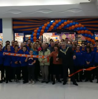 Local Deputy Mayor Geoff Fazackarley and his wife Tian were B&M's special guests at the opening of its new store in Fareham. The Deputy Mayor cut the ribbon to officially open the store.